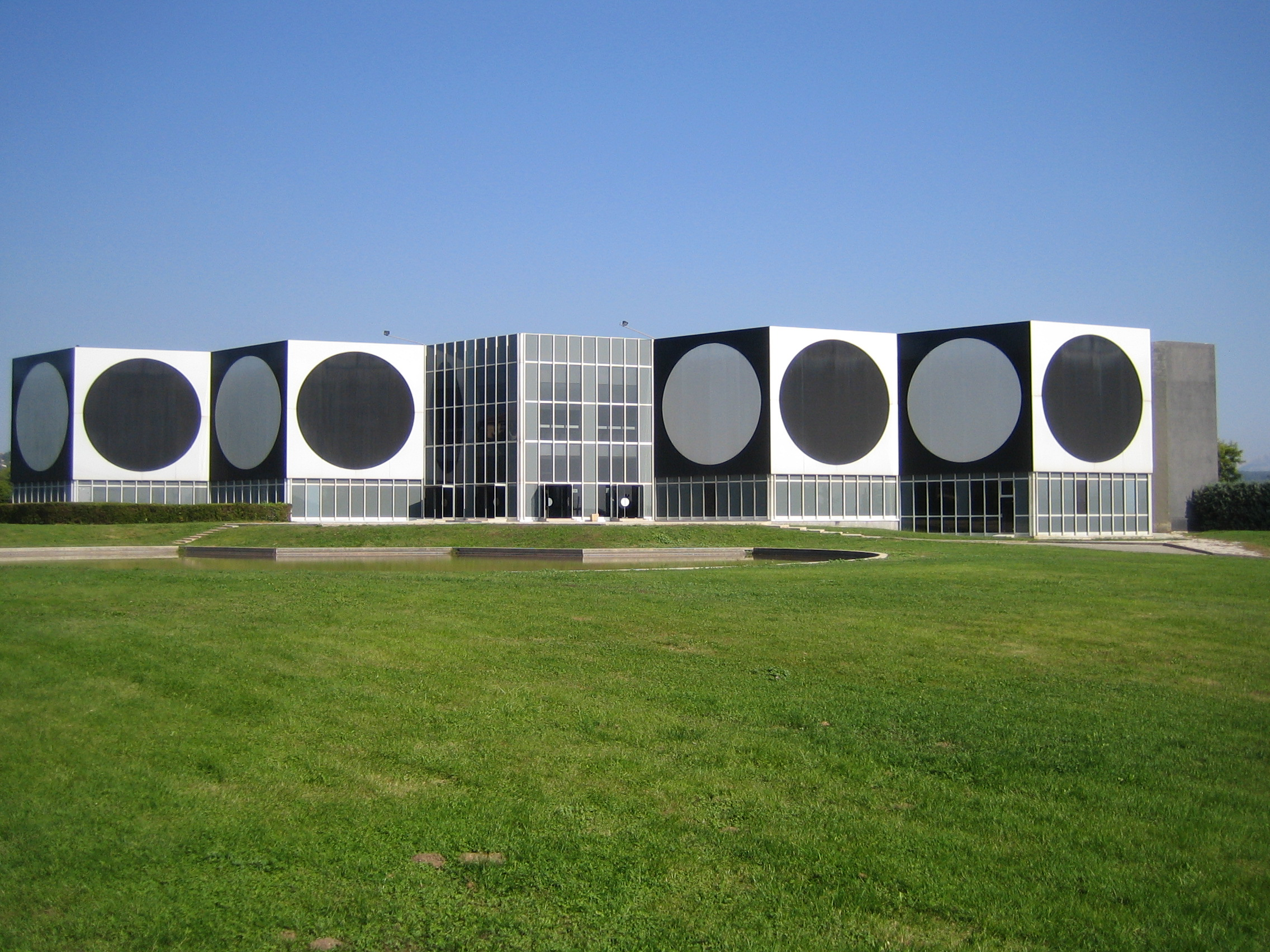 Музей Вазарелли